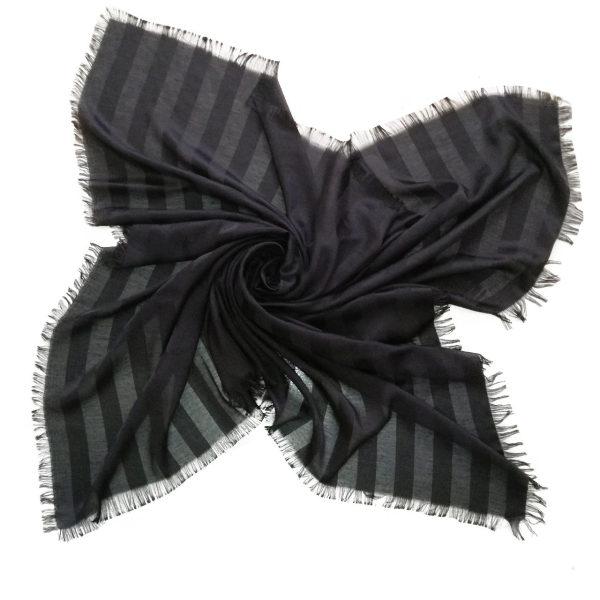 روسری نخی مشکی راه دار